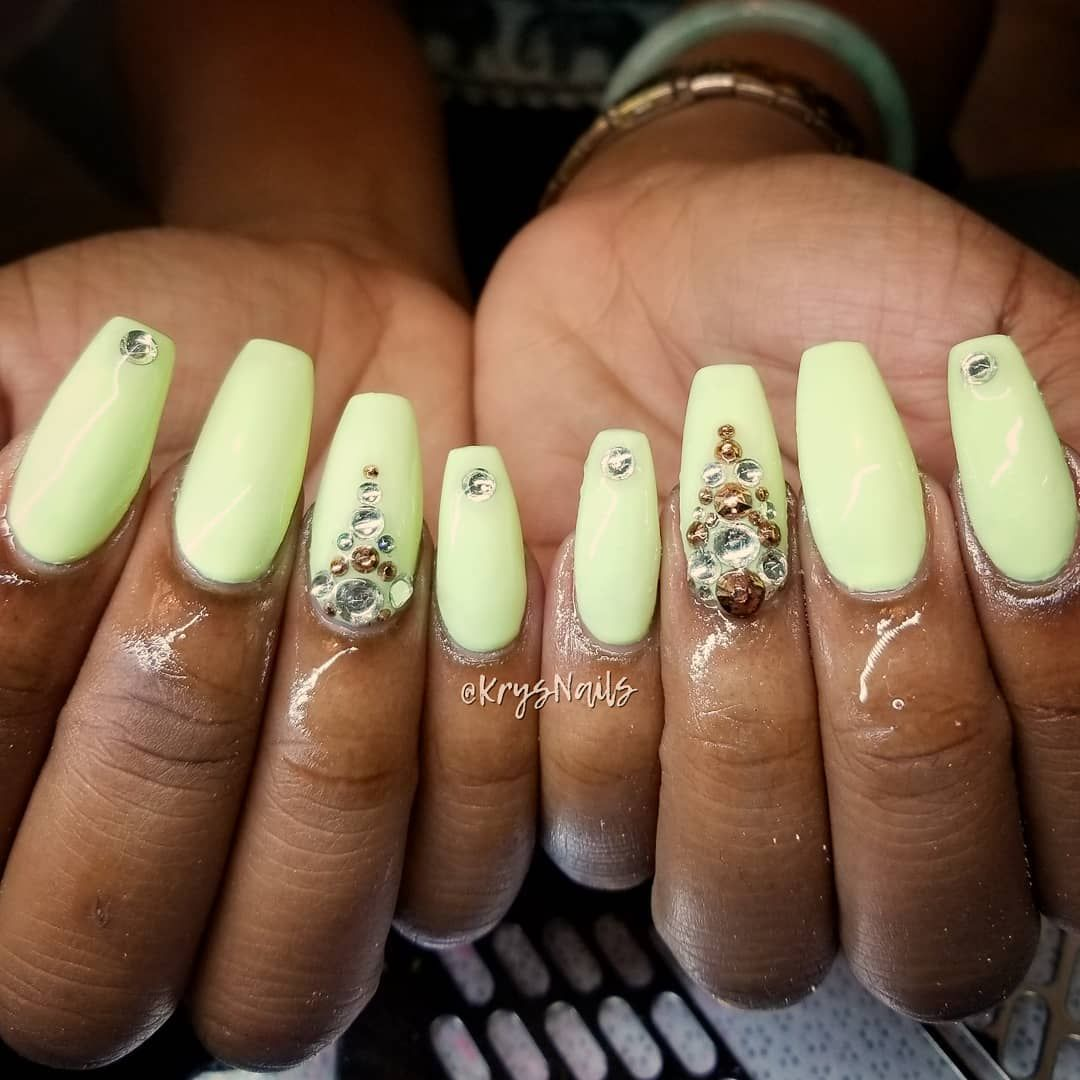 Beautiful Coffin Nails Love This Neon Yellow Color How To Do Nails Natural Nails Manicure Swag Nails