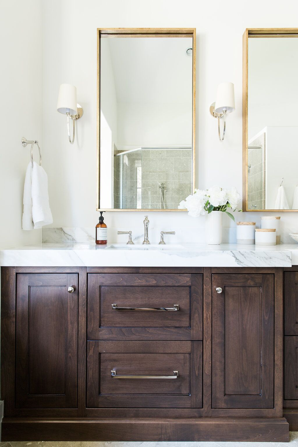Photo of Mixing metals in the bathroom