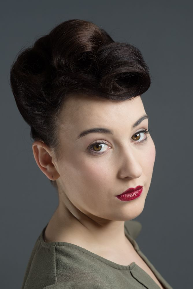 1940s style by Krissy Scotton. Photo by Scott Chalmers ...