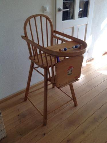 Ouderwetse Houten Kinderstoel.Houten Kinderstoel Met Po Baby Kinderverzorging Toen Memories