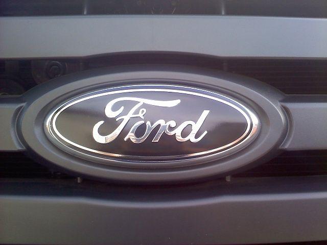 Ford Motor Company Polished License Plate w Black Edge Logo /& Ford Emblem