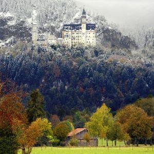 Neuschwanstein castle by traci