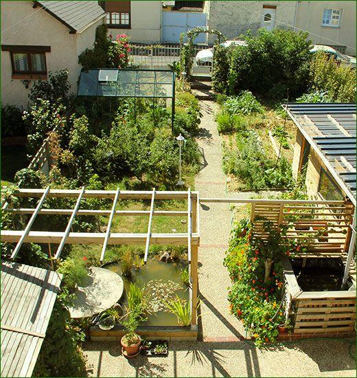 V ritable exploit dans son micro jardin de 30 35 m joseph produit 300 kg de l gumes l ann e - Petit jardin potager carre ...