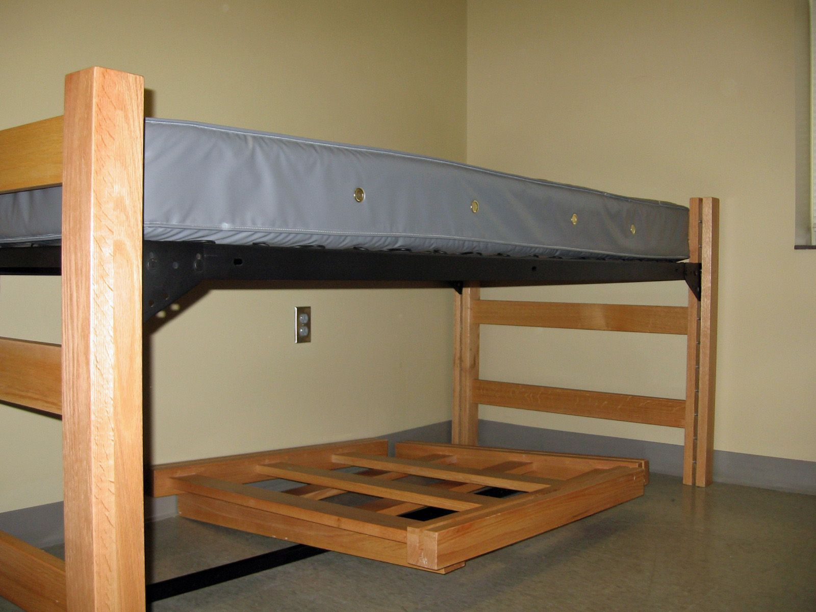 Adjustable Height Dorm Bed Google Search Dorm Bedding Bed
