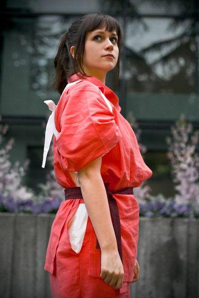 Chihiro From Spirited Away Cosplay And Dress Like This Every Night Spirited Away Cosplay Spirited Away Costume Best Cosplay