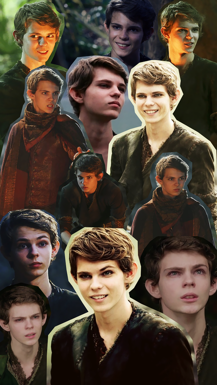 Robbie Kay and His Girlfriend | Robbie Kay as Peter Pan and how
