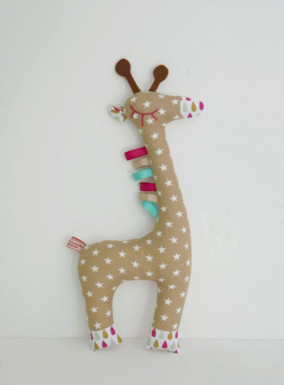 les 25 meilleures id es de la cat gorie peluche girafe sur pinterest girafe en peluche jouet. Black Bedroom Furniture Sets. Home Design Ideas