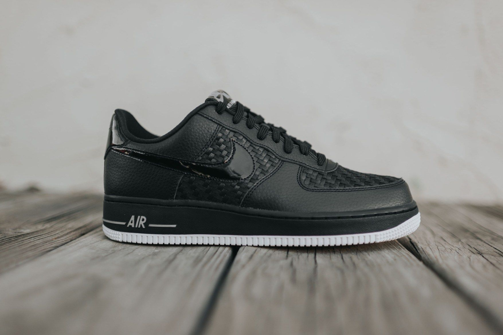 nike air force one low black gum trees