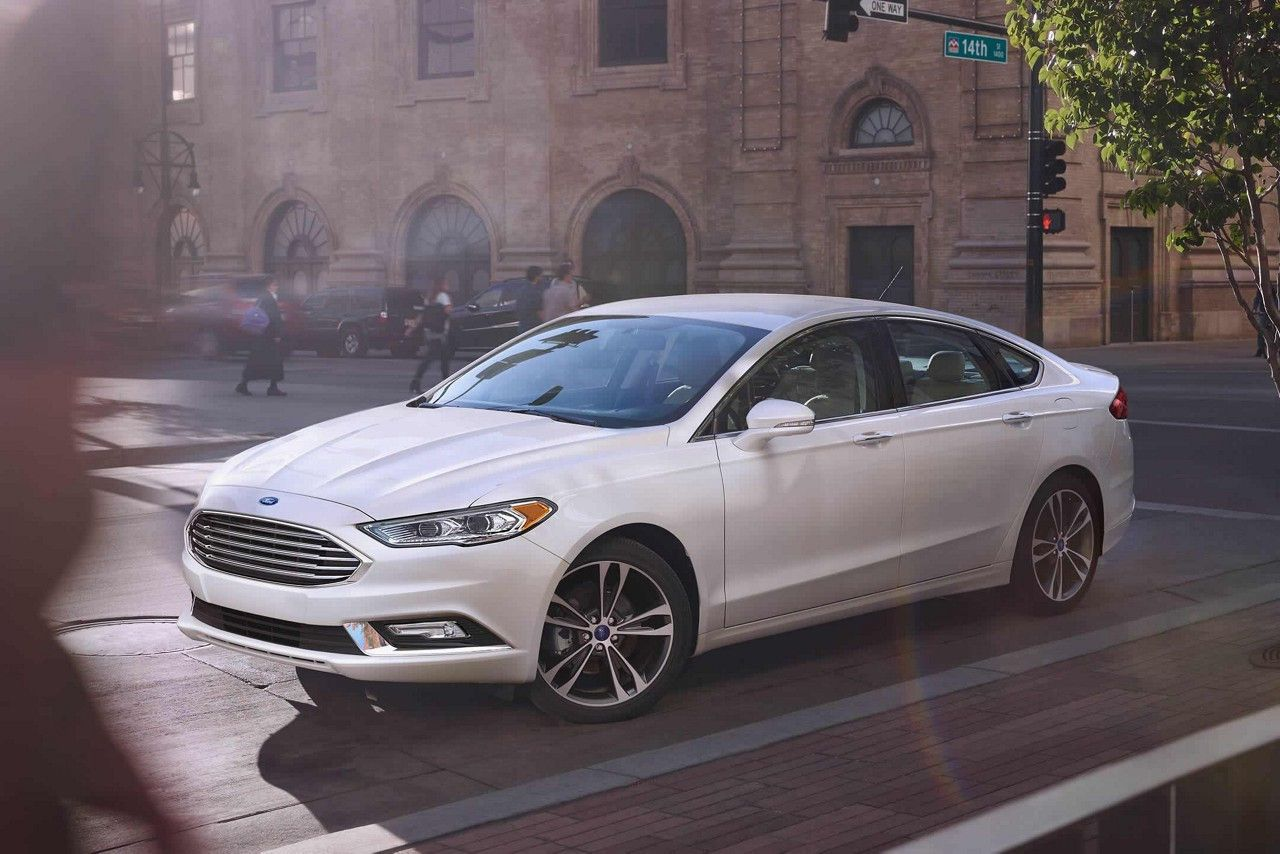 Fusion Titanium In White Platinum Metallic Tri Coat With Optional Wheels Ford Fusion Ford Mondeo New Cars