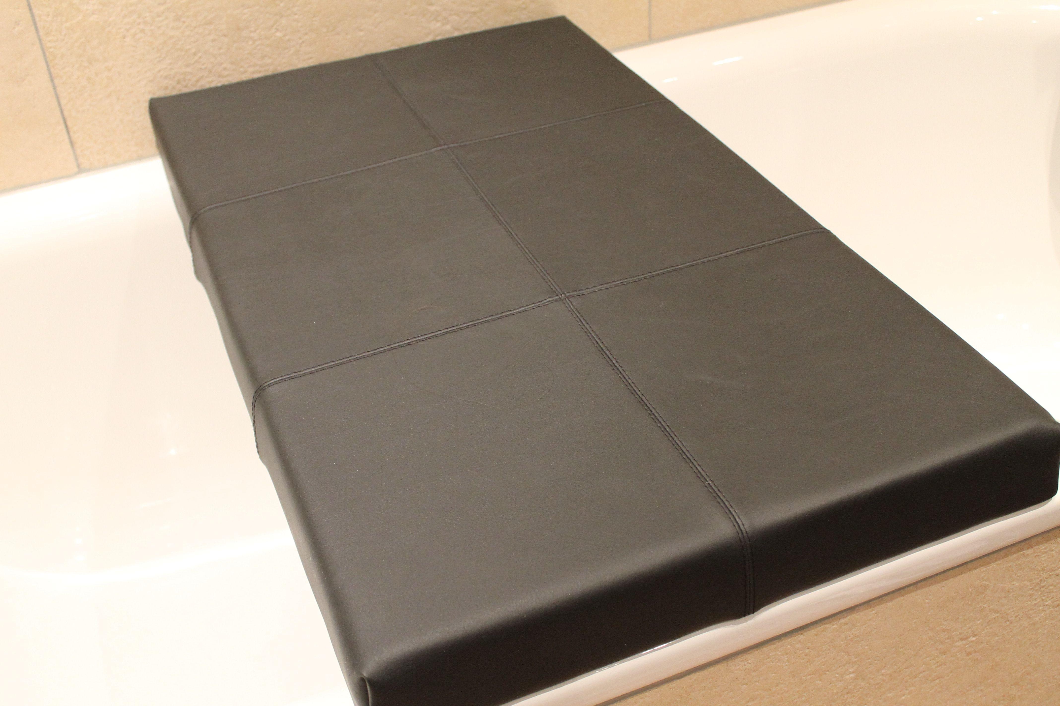 tipp f r ein wohnliches bad badewannenbr cke sitzfl che f r ein fu bad liegefl che. Black Bedroom Furniture Sets. Home Design Ideas