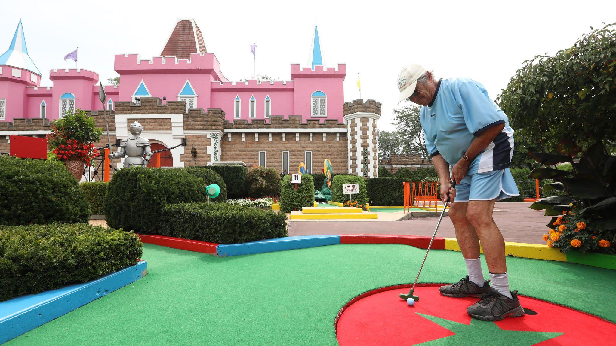Remembering Gus Boznos The Par King Creator Who Made Miniature Golf Magic Golf Set Miniature Golf Course Miniature Golf