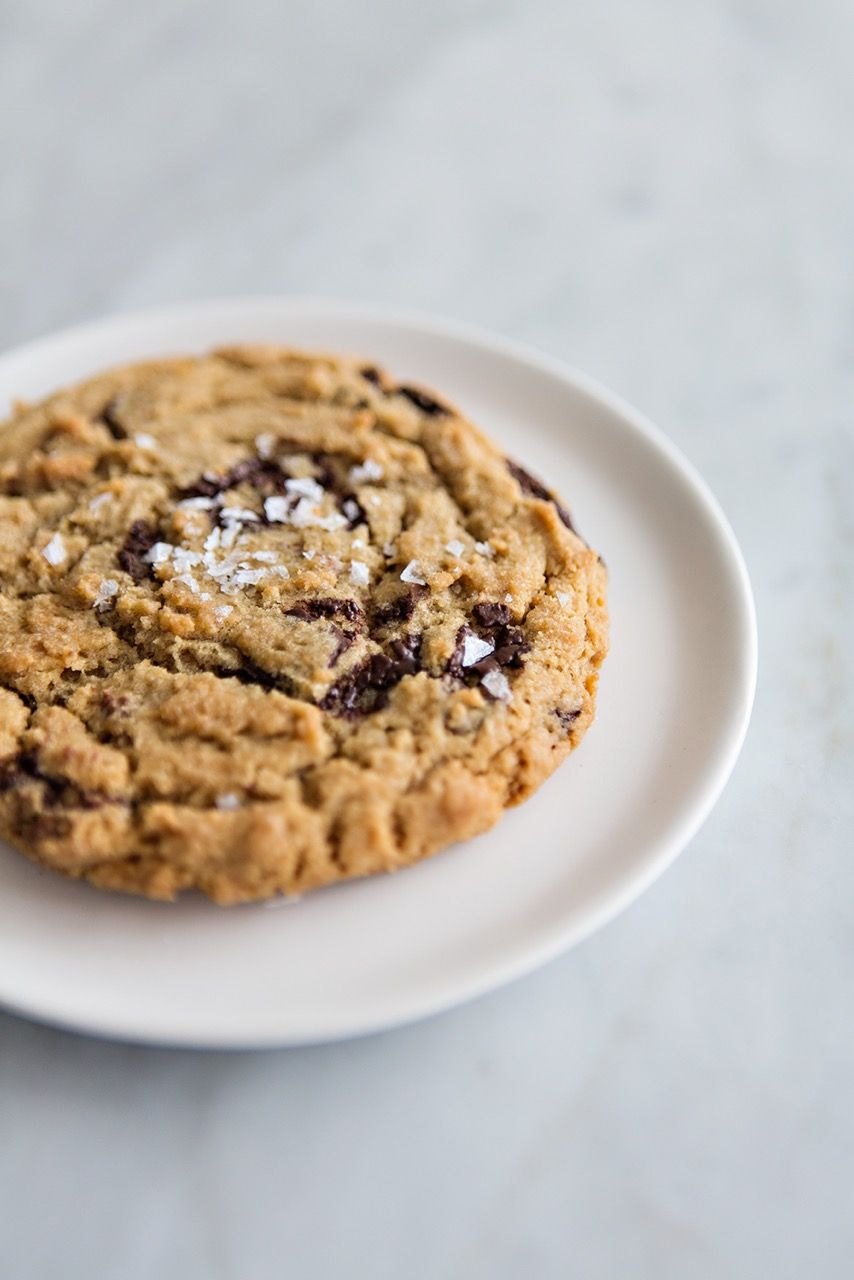 Sunday Suppers LIVE + CURATE | Top 5 Chocolate Chip Cookies Marlow & Sons cookie Photo + Styling | Karen Mordechai