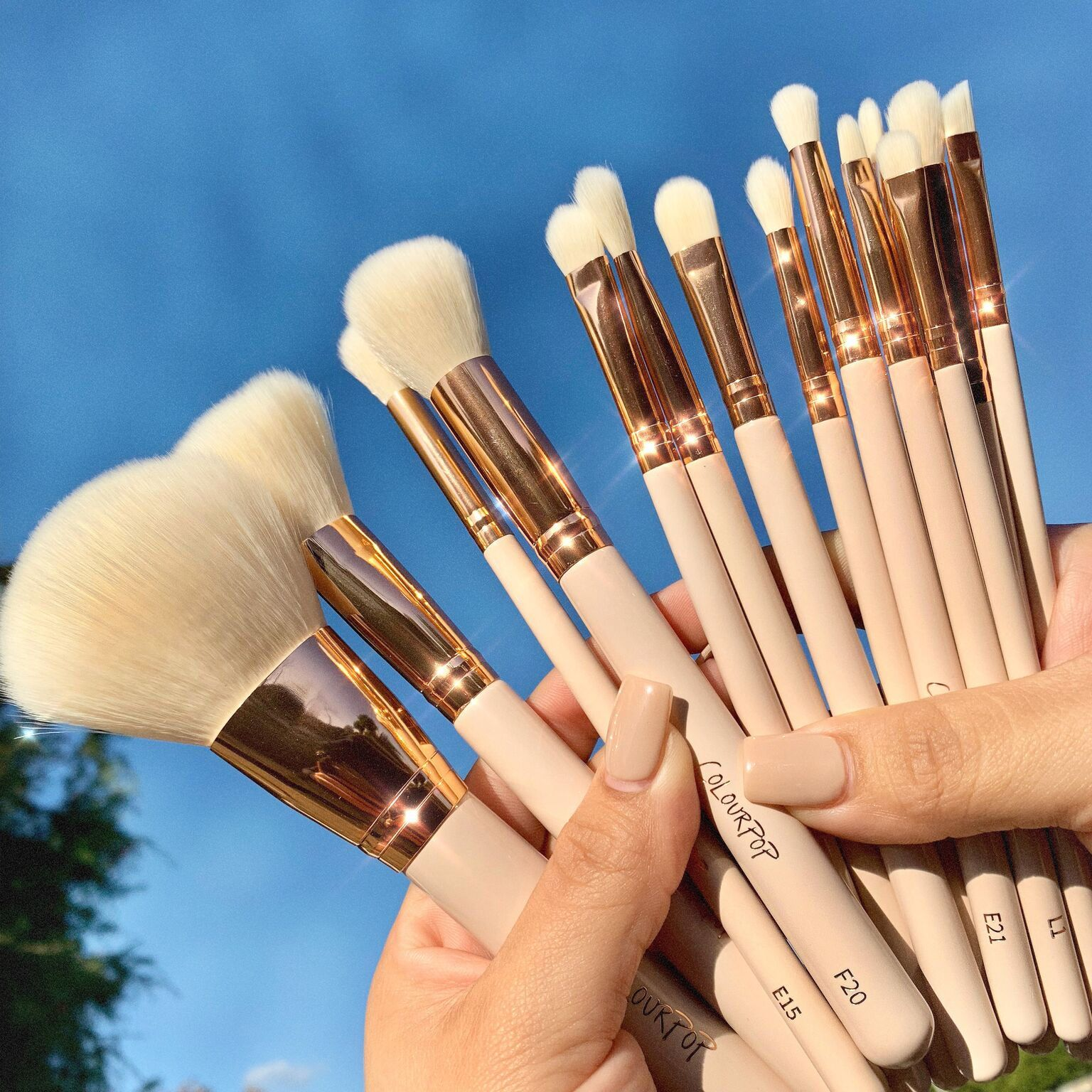 Pin By The Beauty Reviewer On Colourpop Cosmetics Makeup Brush