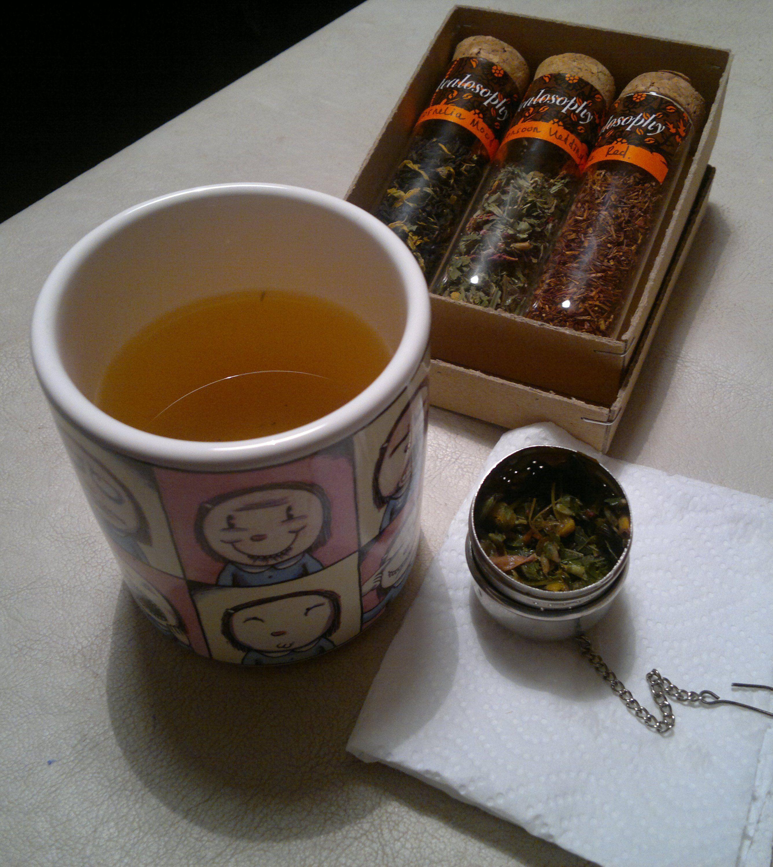 Monsoon Wedding: Verbano, lemongrass, manzanilla, menta y petalos. Sereno y un balsamo para los sentidos.