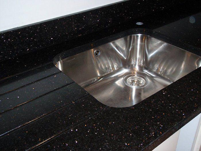 Granite Worktops Countertops From Shaw Stone Hampshire Granite Worktops Granite Laminate Kitchen