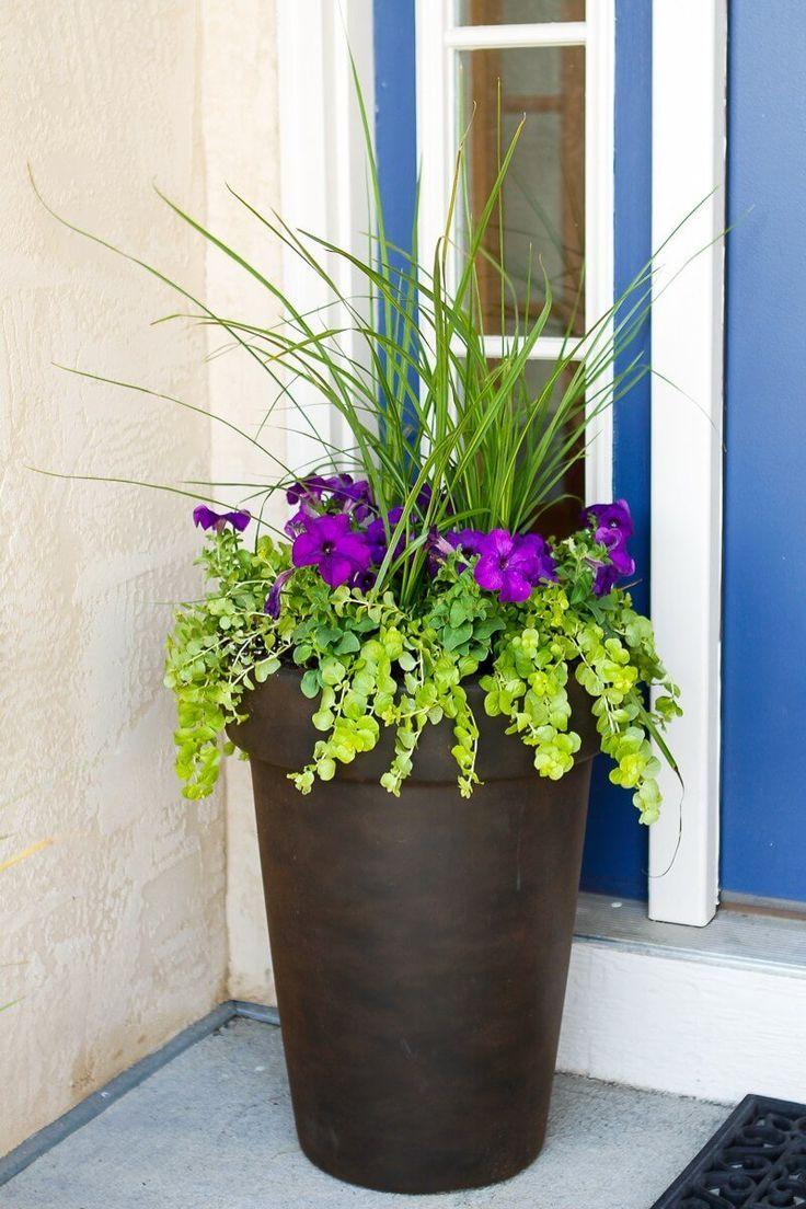 Hoher antiker Bronzeblumen-Pflanzer #rusticporchideas