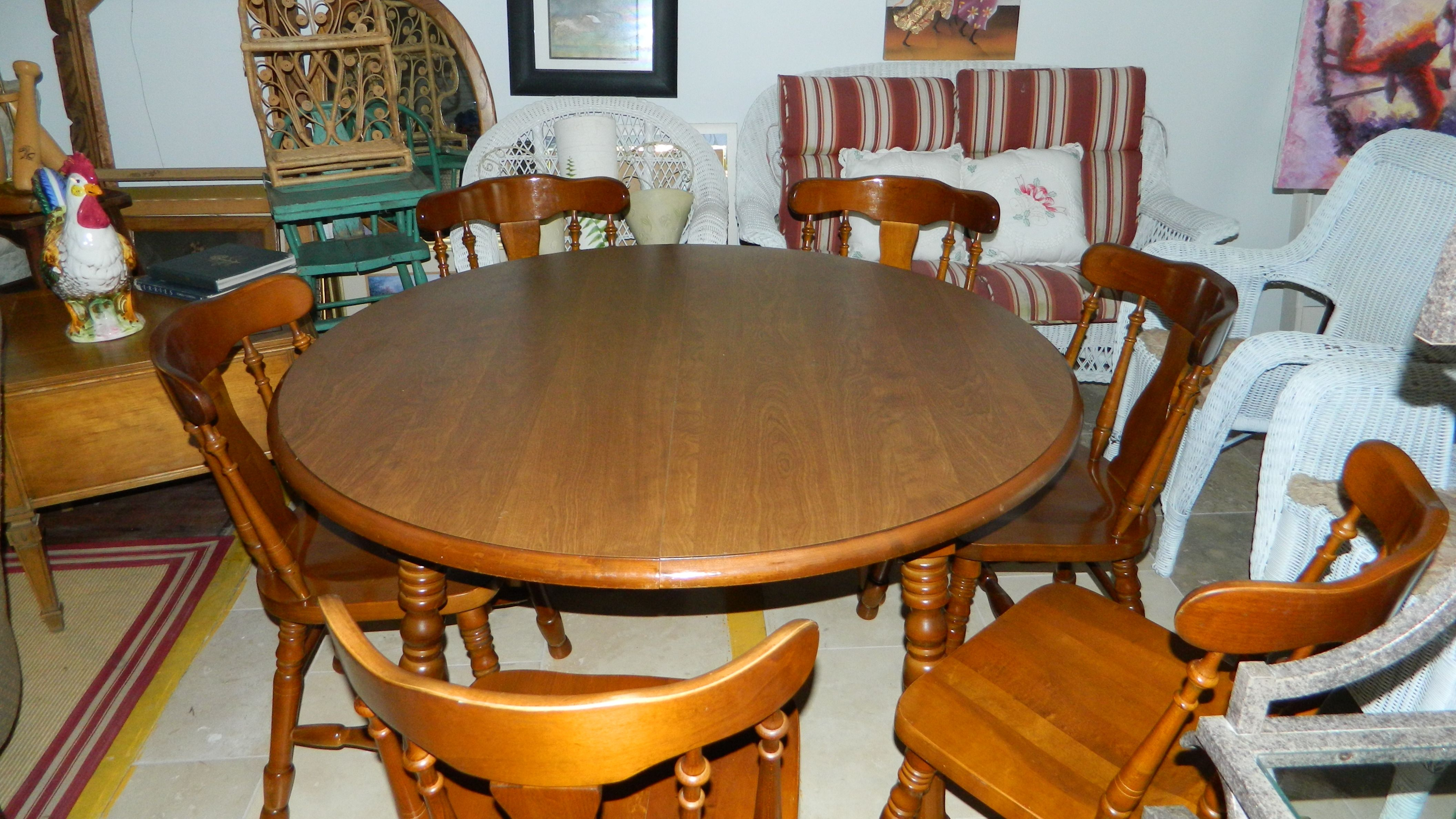 Round Maple Kitchen Table And Chairs