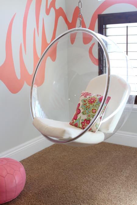 Zona relajante con mueble colgante habitaciones for Muebles juveniles zona sur