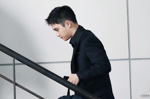 D.O - 160608 Third Regular Album 'EX'ACT' comeback press conference, commute Credit: 너의 하루. (정규 3집 '이그잭트' 컴백 기자회견 출근길)