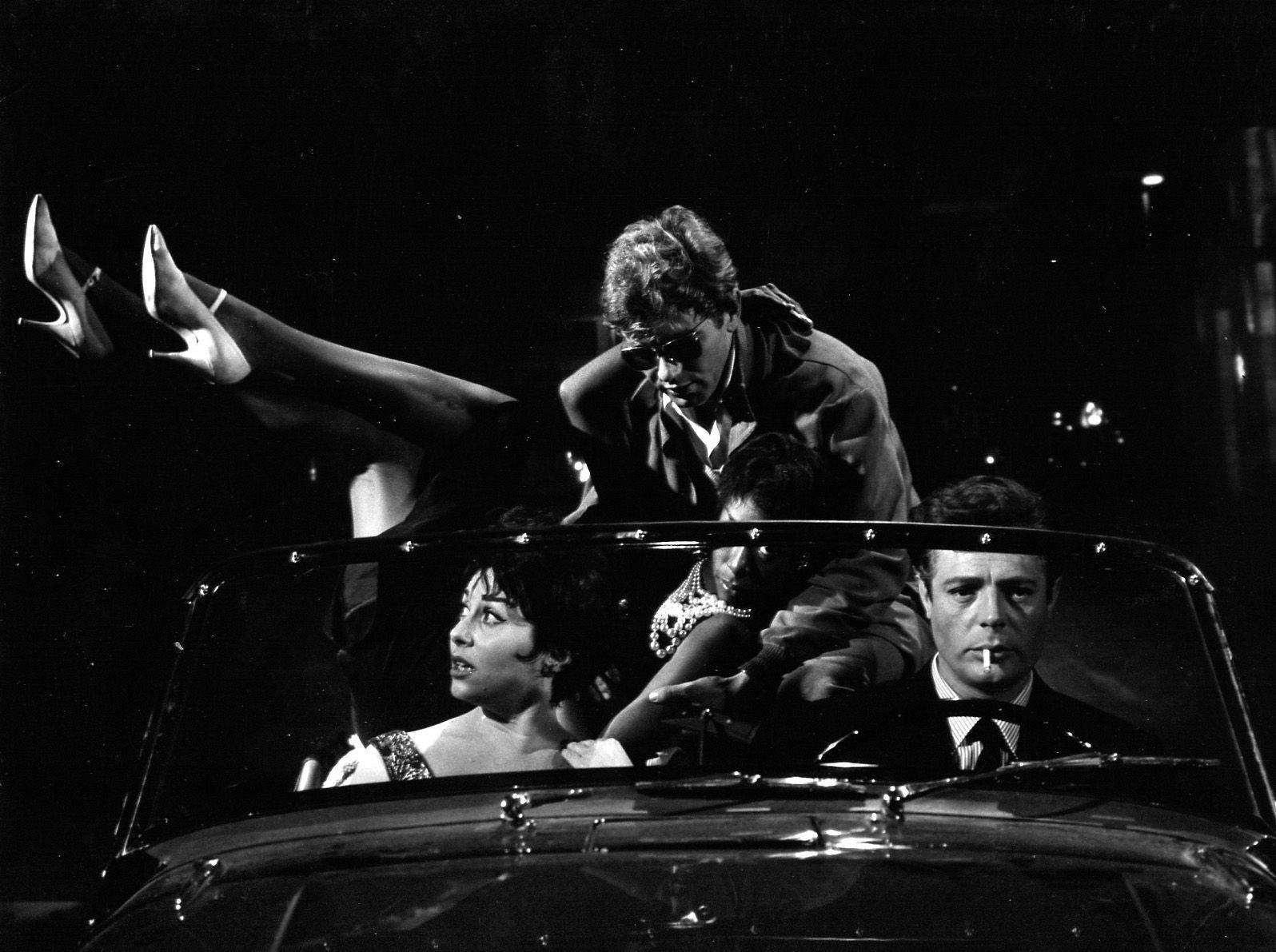 World Cinema Review Federico Fellini La Dolce Vita La Dolce Vita Marcello Mastroianni Cinema