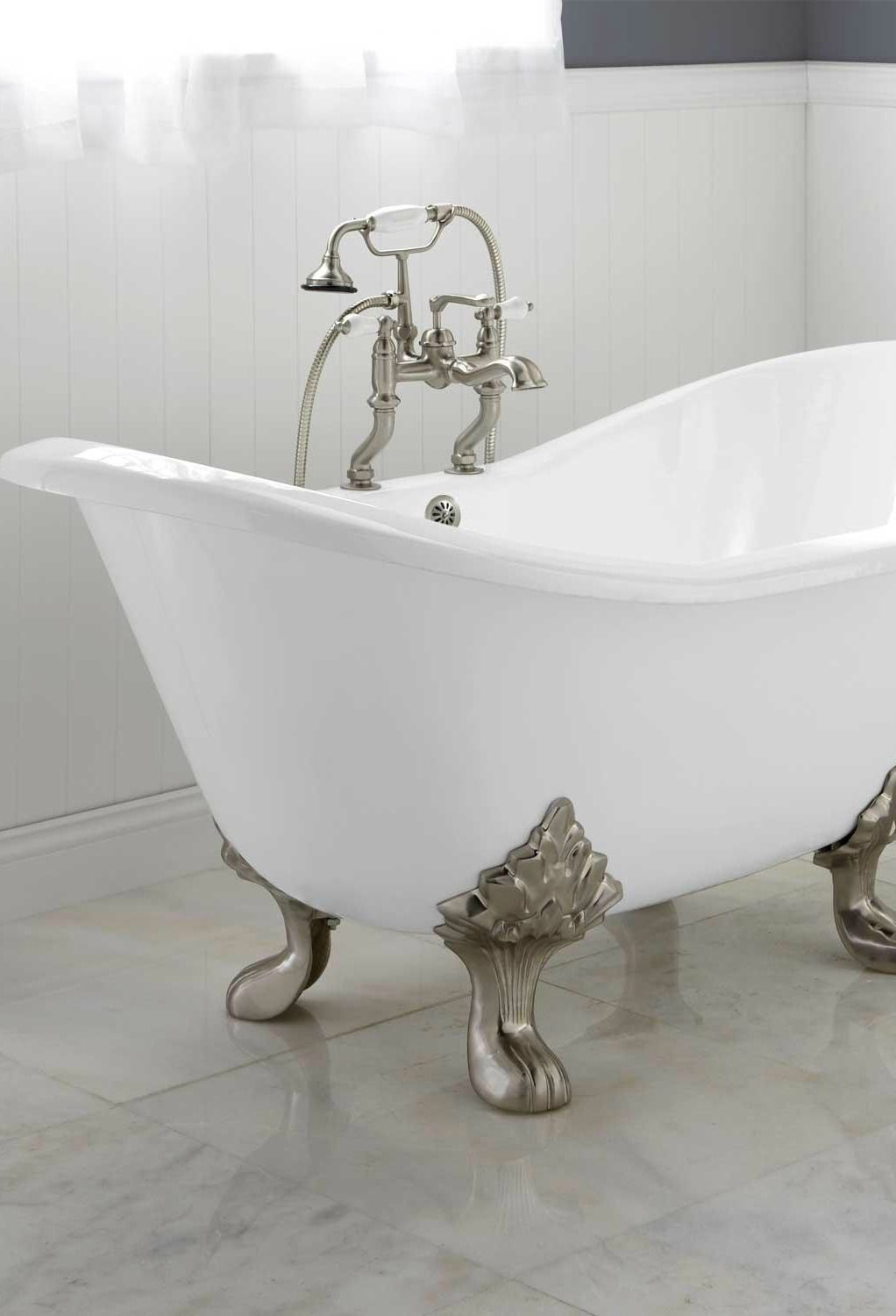 Achieve an elegant victorian style bathroom with the arabella cast iron double slipper tub when remodeling your home this vintage style tub will pair