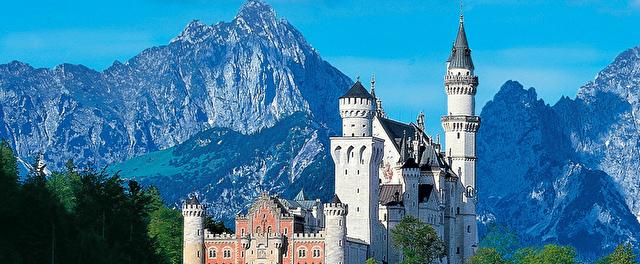 Schloss Neuschwanstein Marchenschloss Von Konig Ludwig Ii Schloss Neuschwanstein Neuschwanstein Marchenschloss