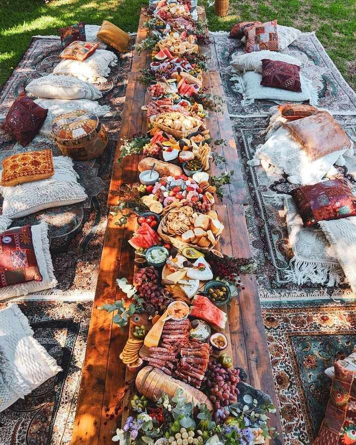 Grazing Tables: 18 Ideas and How to Make Your Own