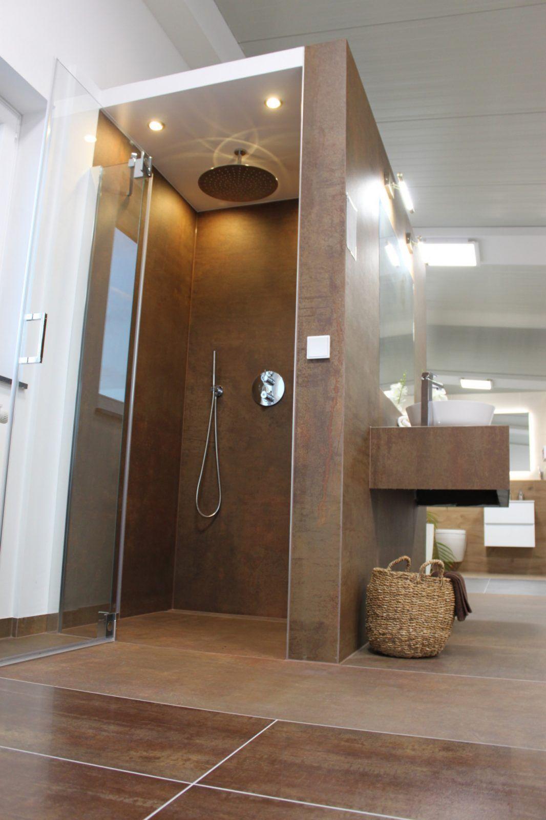 Ausstellung Von Badezimmer Fliesen Ausstellung Bild In 2020 Badezimmer Fliesen Badezimmer Badezimmer Ausstellung