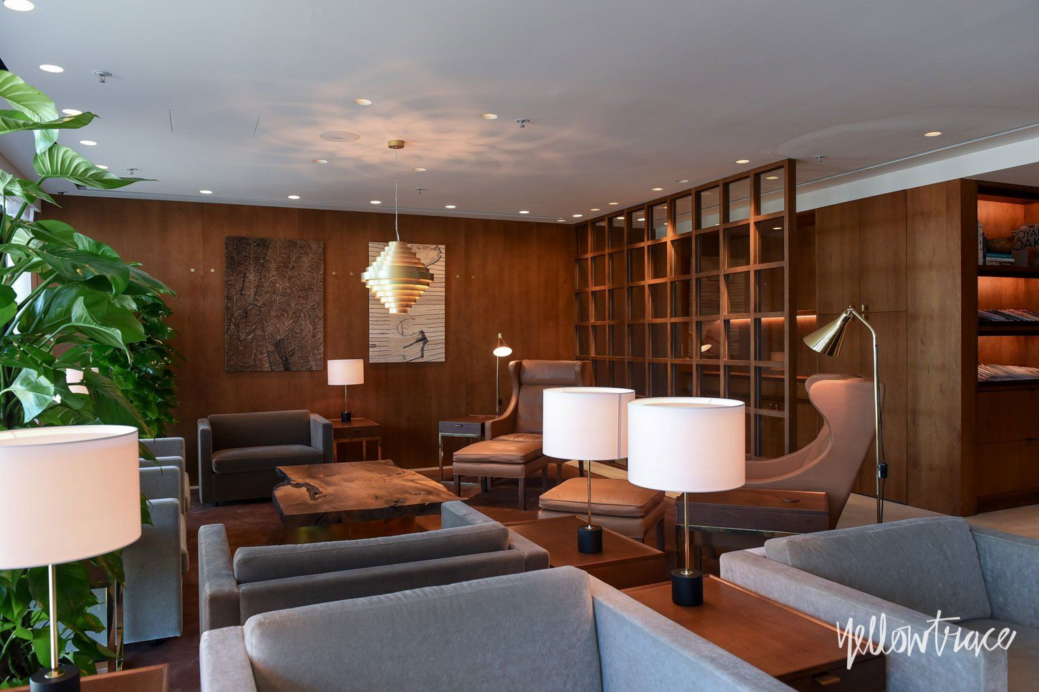 Cathay Pacific S The Pier First Class Lounge In Hong Kong