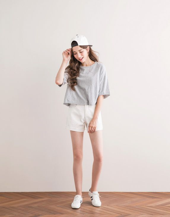 White Sheets Bright Lights Outfit Styles Pinterest White Sheets Korean Fashion