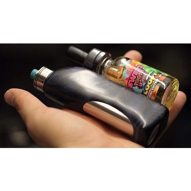 #handcheck #vaper #vapor #vapeporn #coolmods #drippers #driptips #driplife #driplyfe #vape #ecigs #ecigarettes #mechmods #mechanicalmods #ejuice