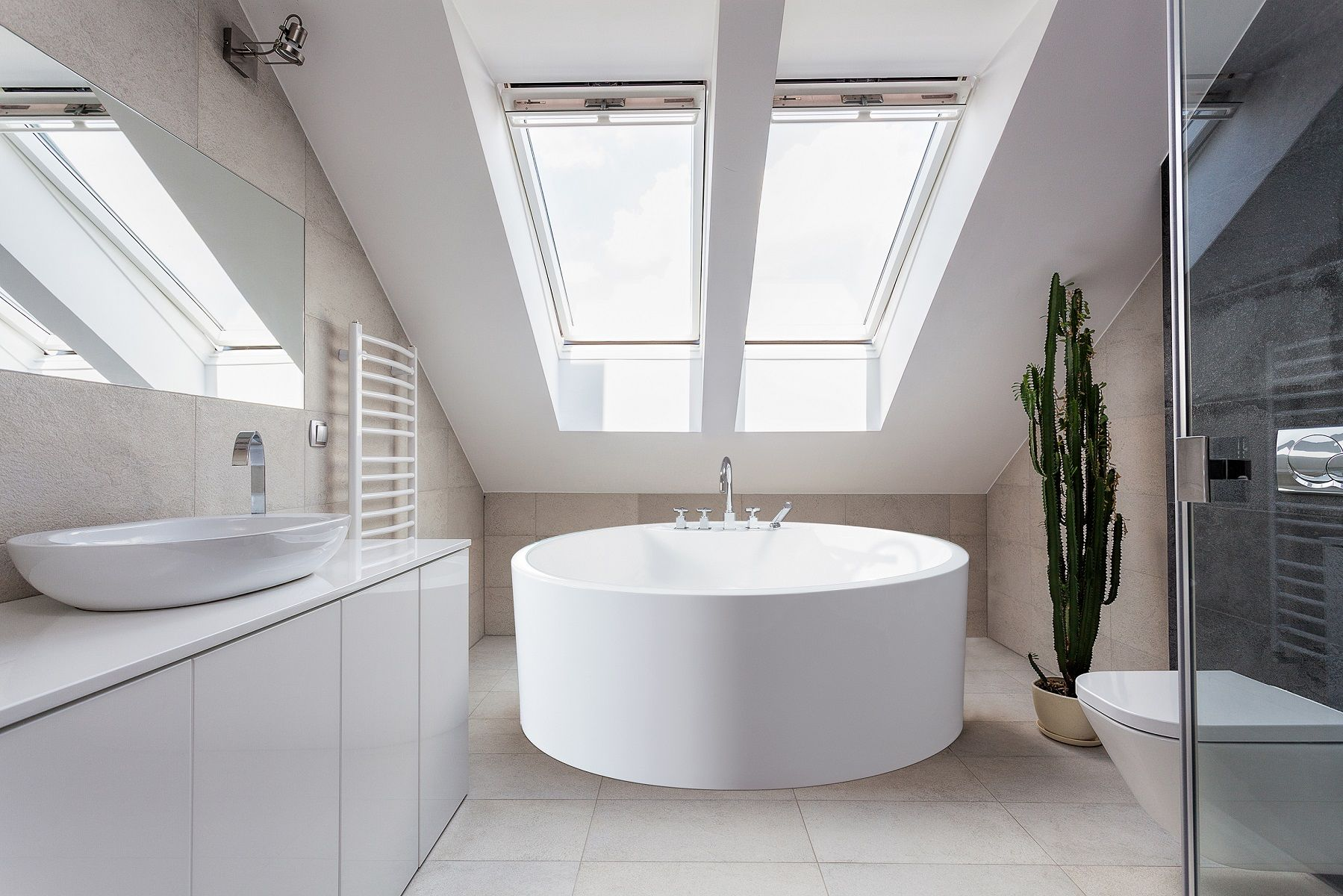 Nine Small Freestanding Baths For Petite Bathrooms Small