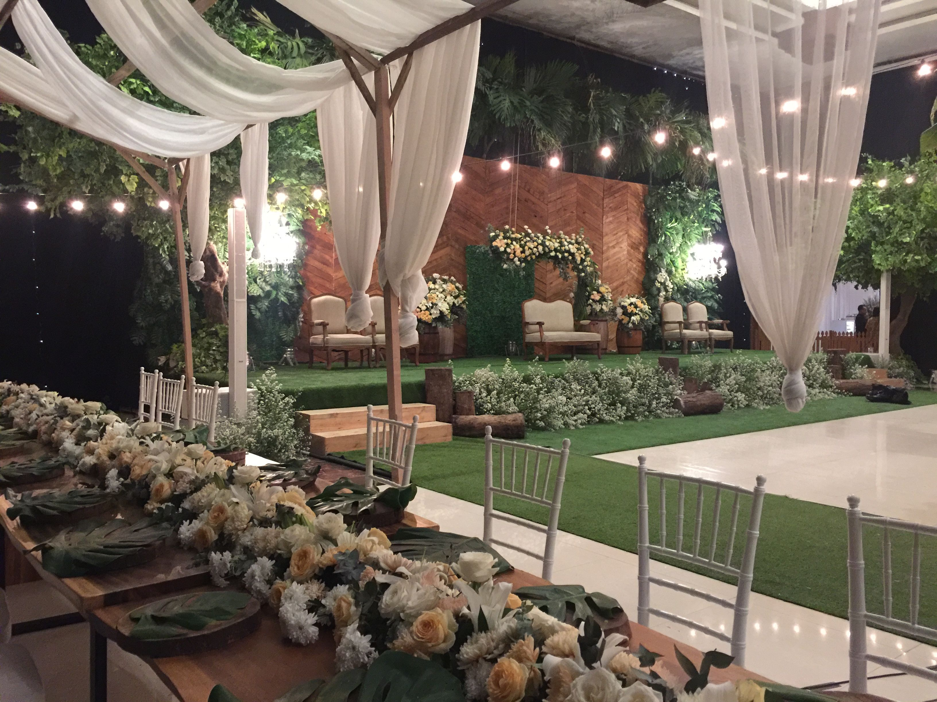 Wedding reception surabaya indonesia decoration rustic greenery wedding reception surabaya indonesia decoration rustic greenery indoor pelaminan junglespirit Gallery