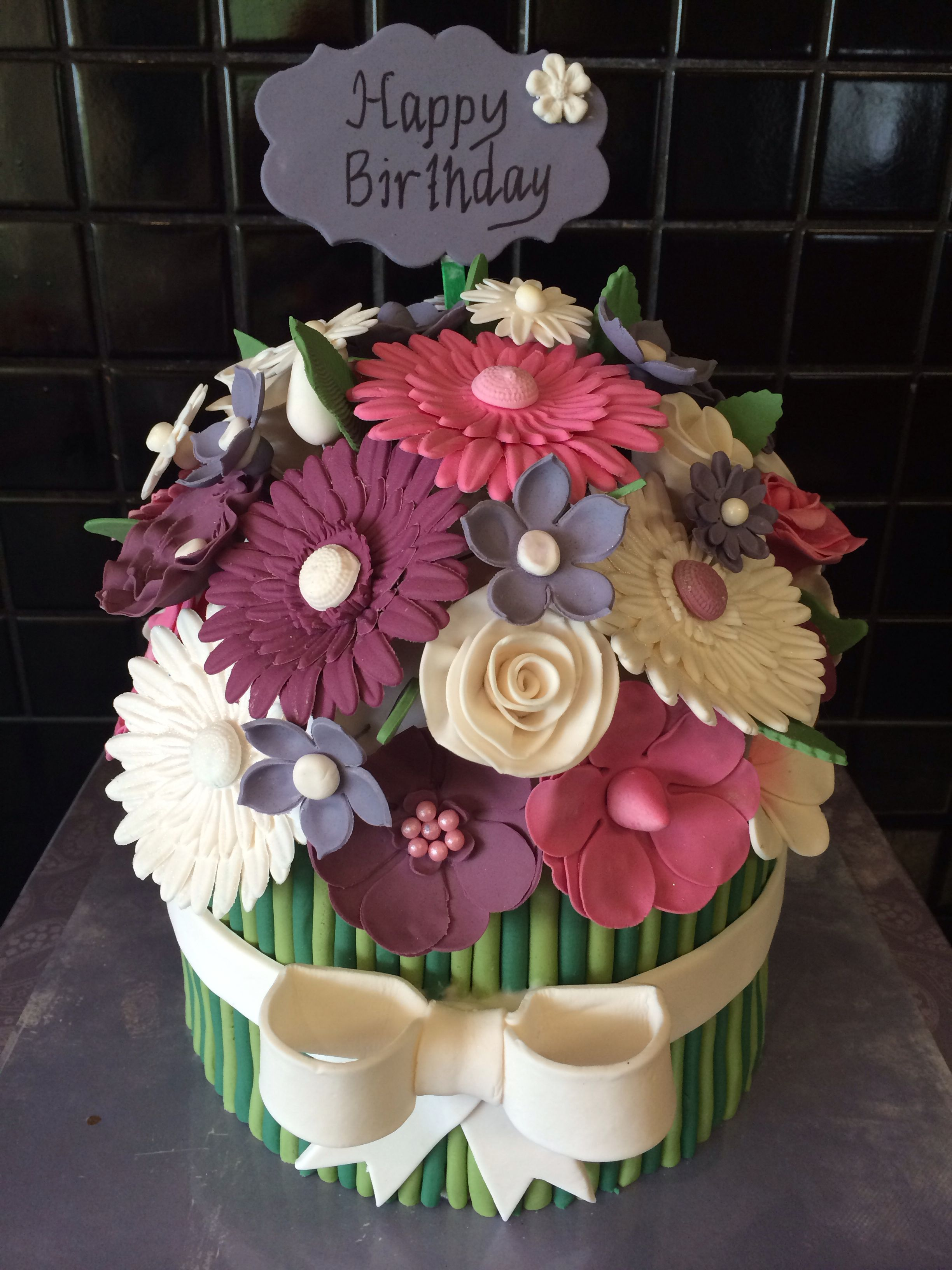 Flower bouquet cake cake ideas pinterest cake flowers and fondant