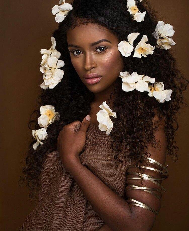 pic av en svart flicka fitta