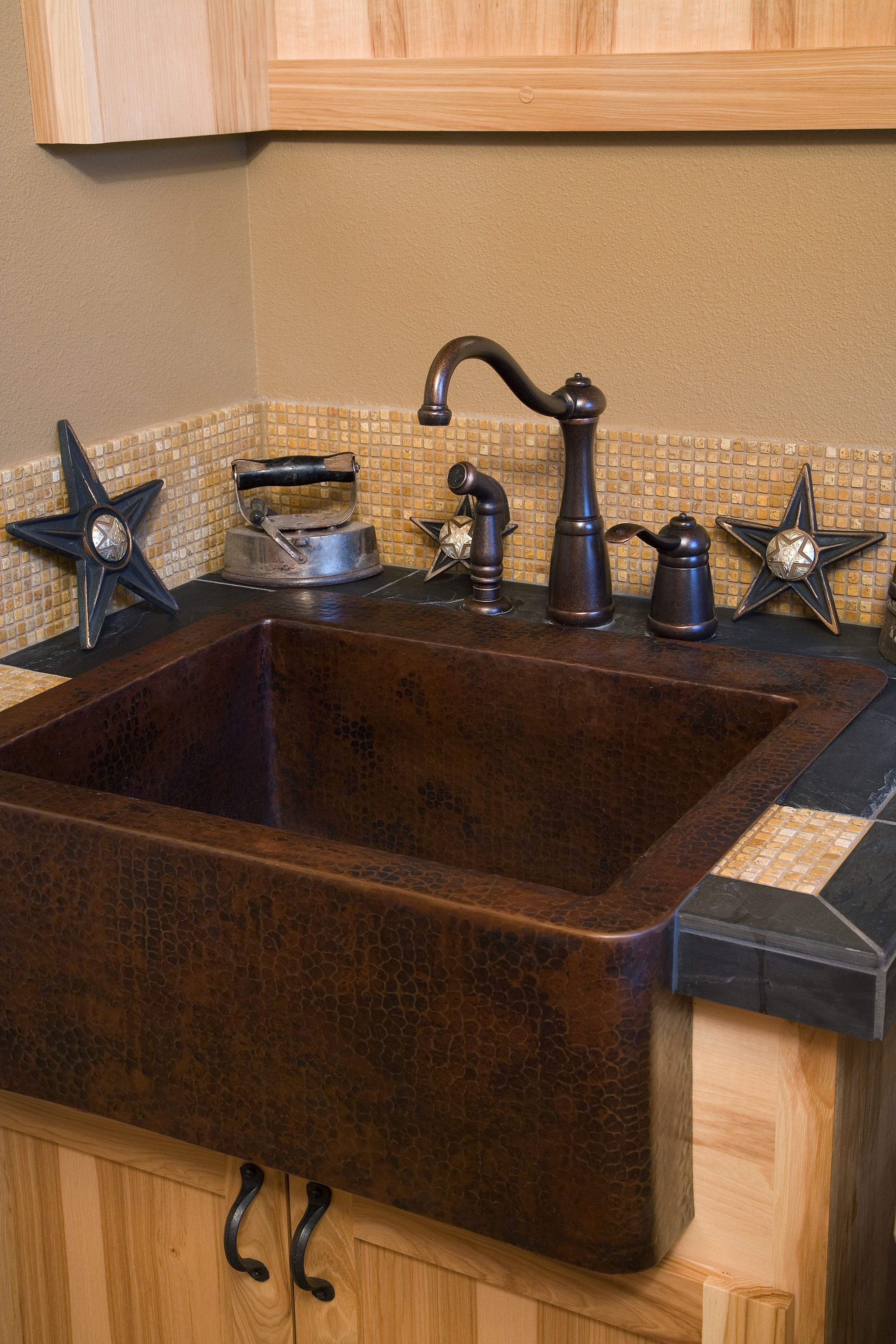 copper kitchen sink farmhouse sink rubbed bronze fixtures glass 2581
