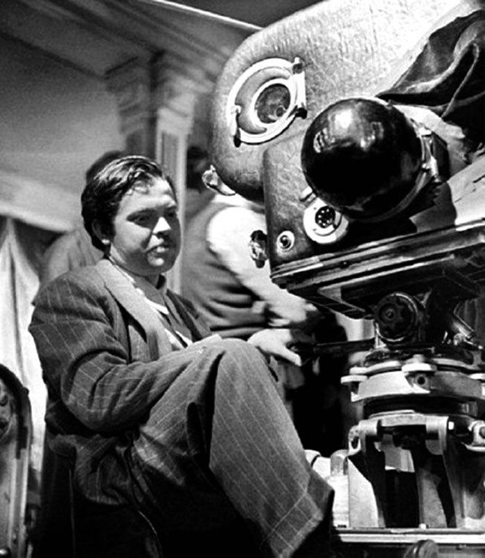 """Orson Welles en el rodaje de """"El Cuarto Mandamiento"""" (The Magnificent Ambersons), 1942"""