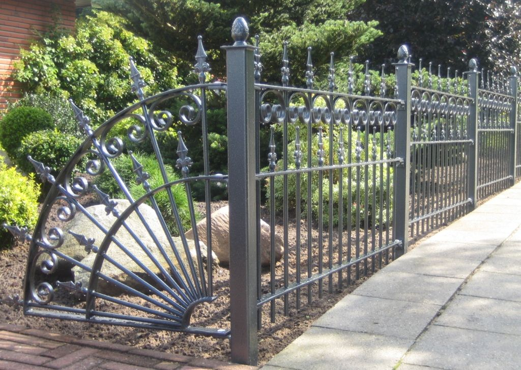 Sculpture Of List Of Decorative Fencing Ideas Iron Fence Panels Iron Fence Metal Garden Fencing