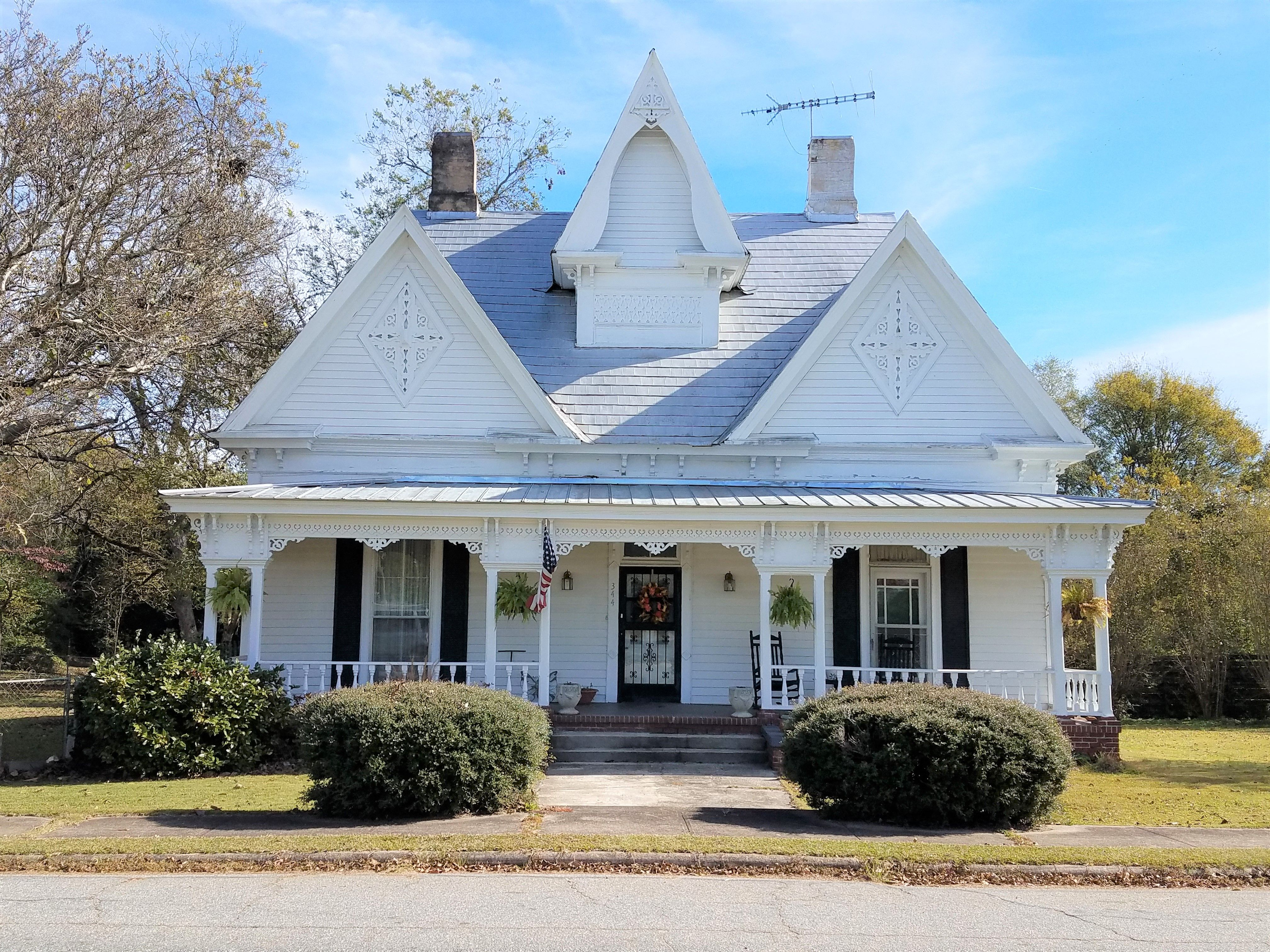 This lovely Victoria home built in 1884 with 3316 sq. ft. has ...