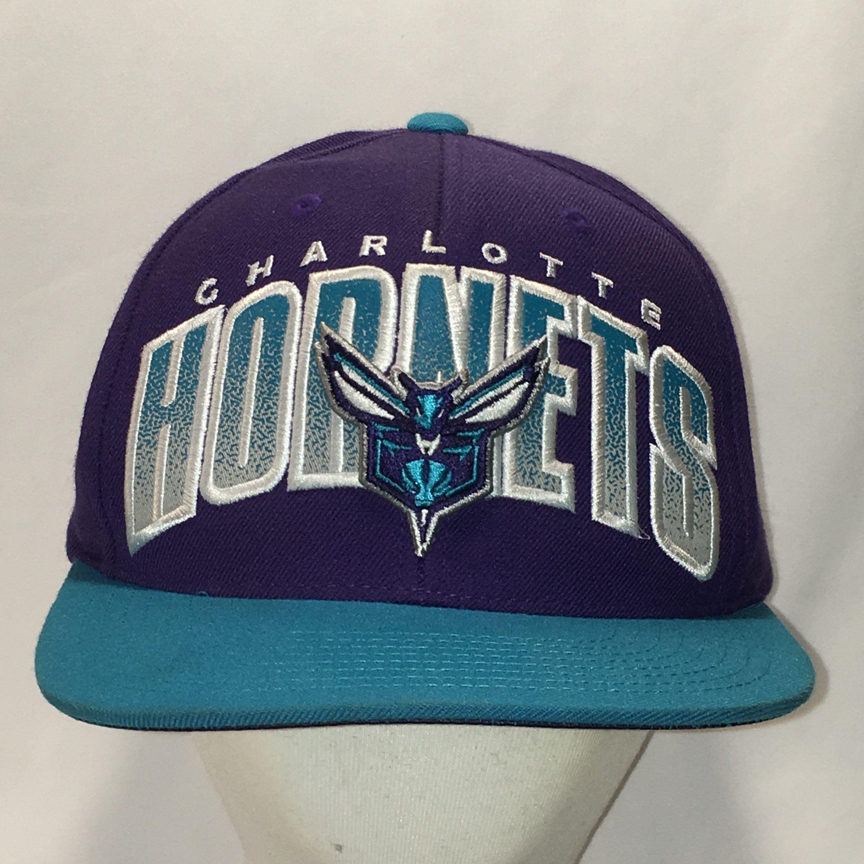 48507659 Vintage Charlotte Hornets Snapback Hat NBA Basketball Baseball Cap Purple  Blue Wool Blend Mitchell & Ness