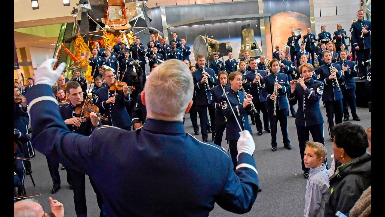 Is The Airforce Doing A Flashmob Christmas 2020 About 100 members of the United States Air Force Band flashmob a