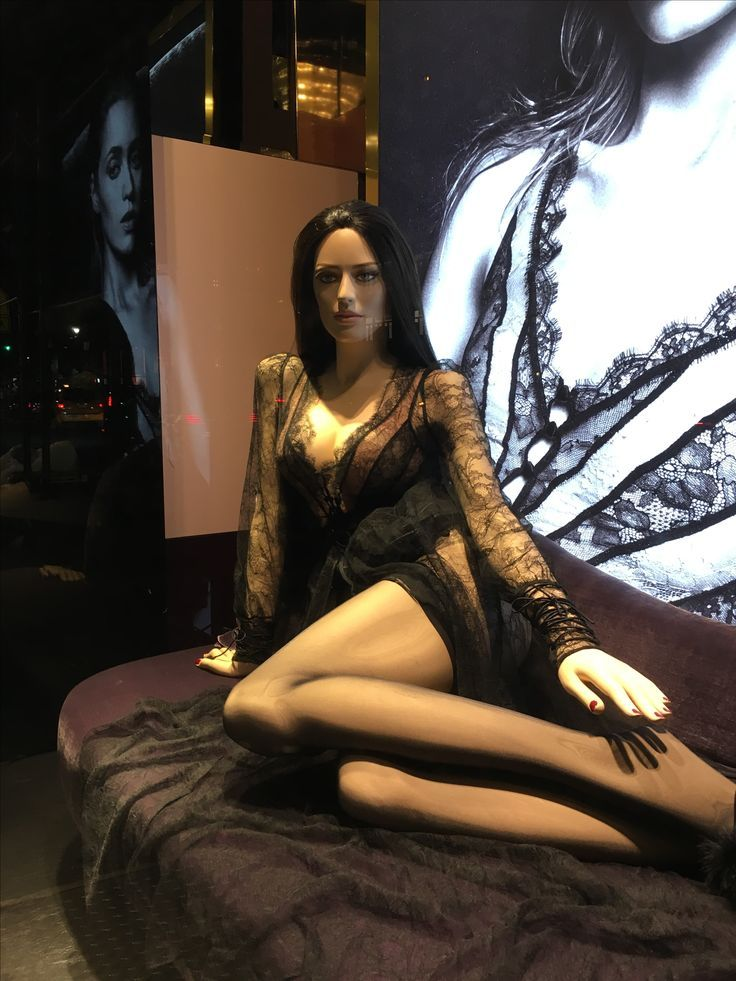 Sexy Mannequin In Lingerie And Stockings On A Sofa  Agent -4065