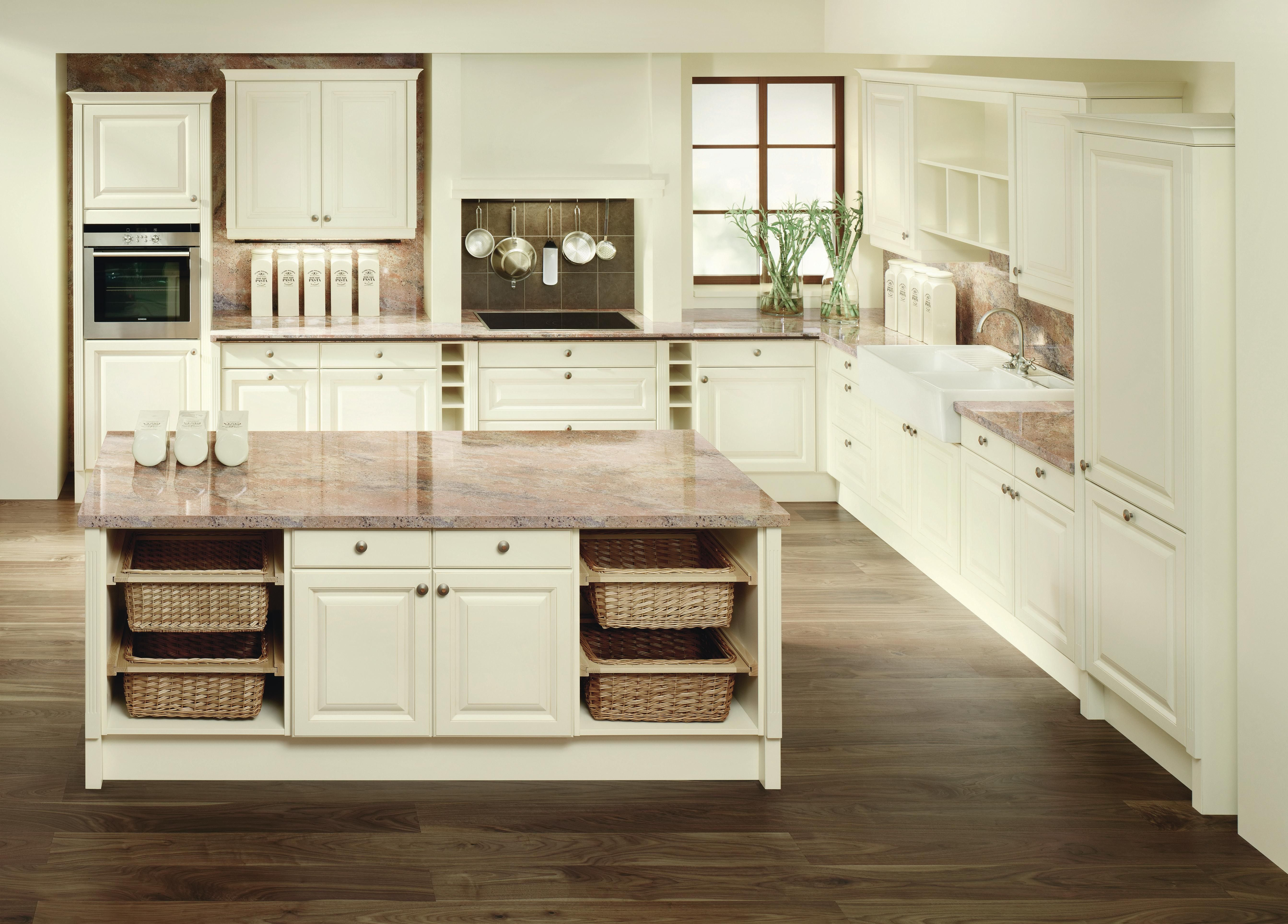 Romantische Küchen romantische einbauküche dan küchen landhaus charme für ihr