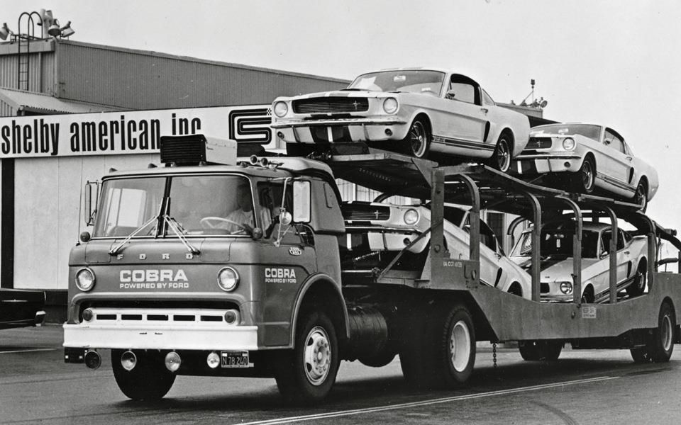 Early Shelby Mustangs in transit. Mustang, Ford shelby