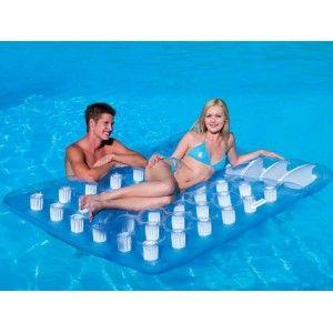 Pin de tuverano com en colchonetas y sillones hinchables for Colchonetas piscina