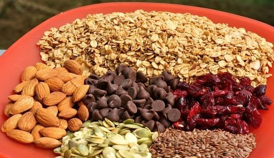 Four Awesome Trail Mix Blends to Try on Your Next Hike