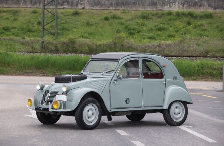 The Citroen 2cv 4x4 Sahara The Unstoppable French Answer To The Land Rover Citroen 2cv Citroen Land Rover