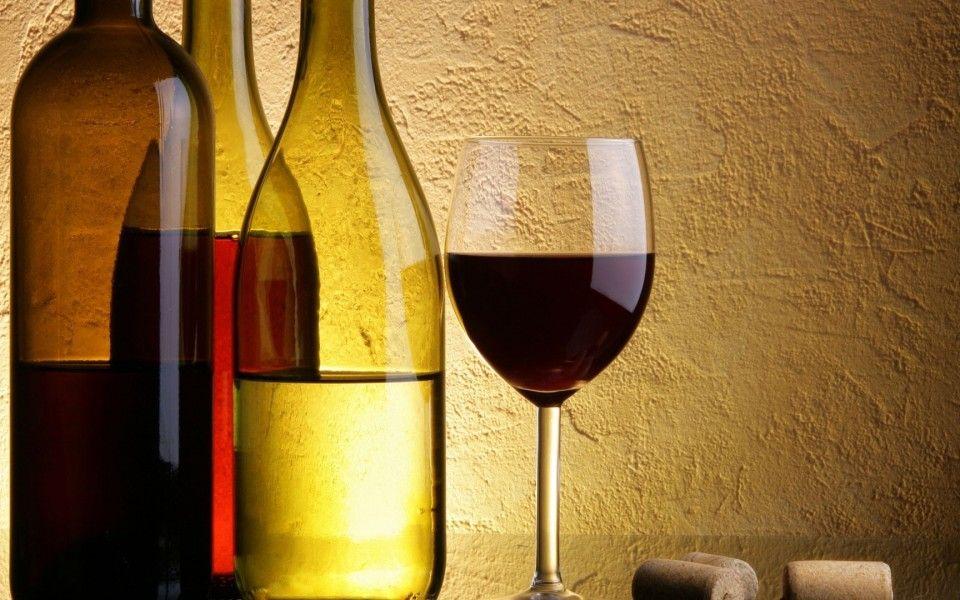 Con Royal Caribbean, cada noche será especial...  Paquete Wine and Dine hasta el próximo 30 de Junio (incluye 5 botellas de vino).  (Botellas de vidrio de vino Jamns)  http://agente.1000tentaciones.com/ahorrovacaciones