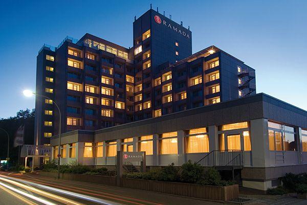 Das H4 Hotel Frankfurt Messe Liegt Ruhig Und Mit Guter Verkehrsanbindung Im Westen Der Stadt Freuen Sie Sich Auf Eine Erh Mit Bildern Hotel Frankfurt Am Main Hotels Hotel