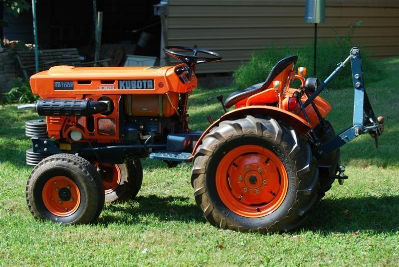 Kubota B6100HSTE Tractor Illustrated Parts List Manual